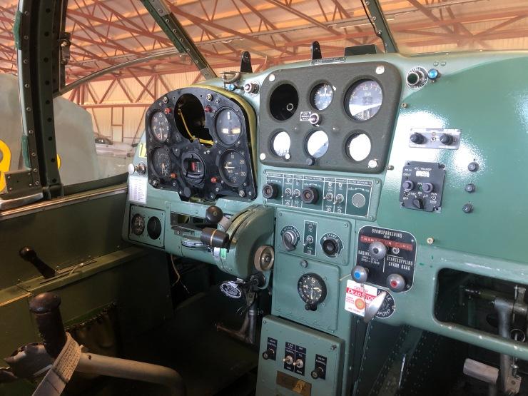 LAK cockpit